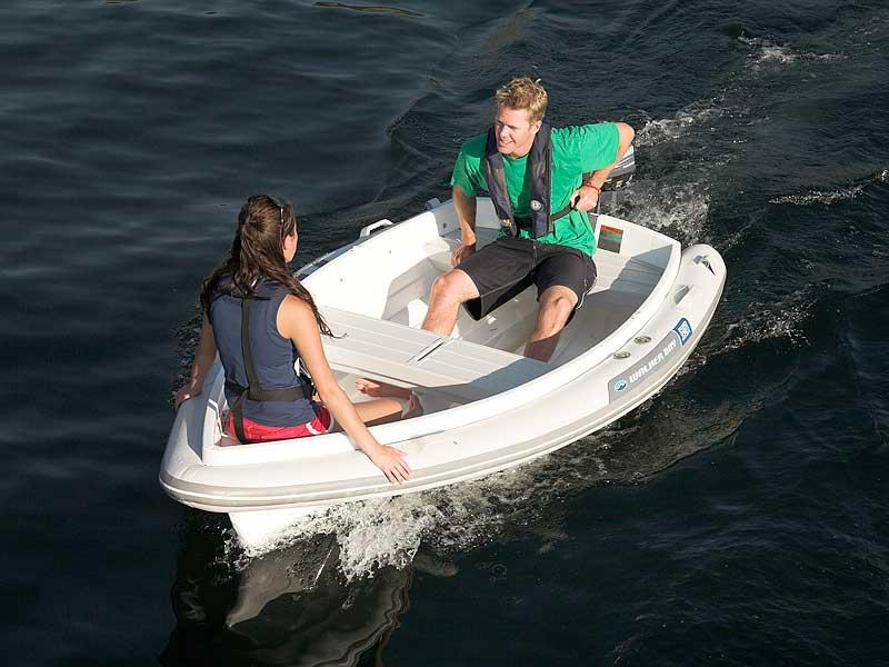 моторная лодка из пенополистирола